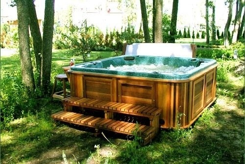 arctic-spas-hot-tub-under-trees